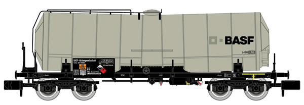"""Arnold HN6396 - 4-axle Isolated Tank Wagon, silver livery with light weathering, """"BASF"""""""
