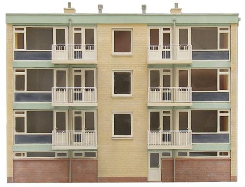 Artitec 10.283 - Facade of the rear of a multi-storey building