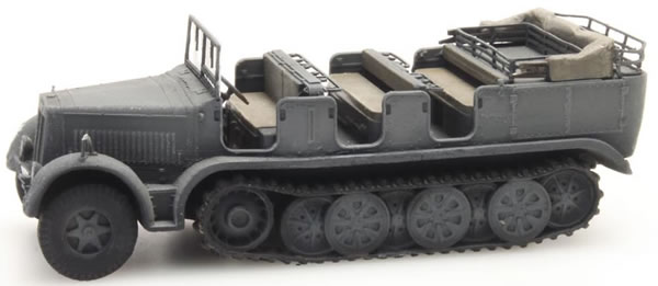 Artitec 1870023 - German Wehrmacht (WWII) Sd.Kfz. 7 Half-track Personnel Carrier 8t