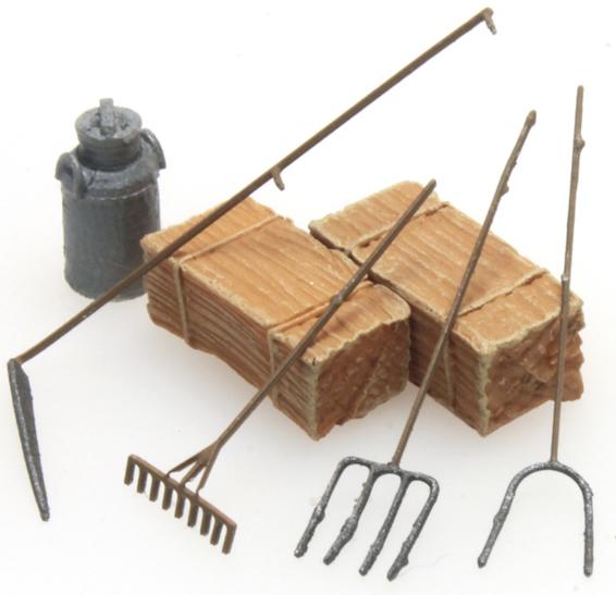 Artitec 387.281 - Farmers tools, scythe, rake, pitchfork (2)