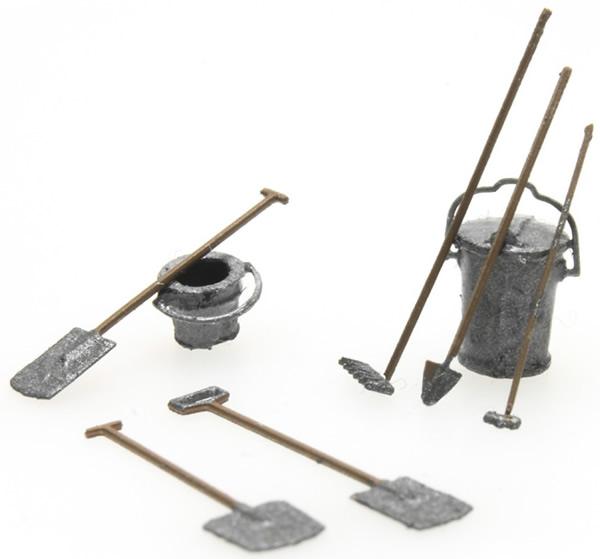 Artitec 387.282 - Garden tools, spade (2), shovel, hoe