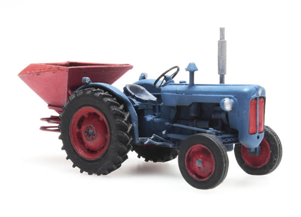 Artitec 387.347 - Tractor Ford with broadcast spreader