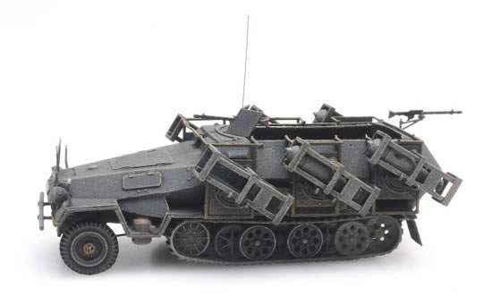 Artitec 387.402 - SdKfz 251/1 Ausf. B with litter frame, gray