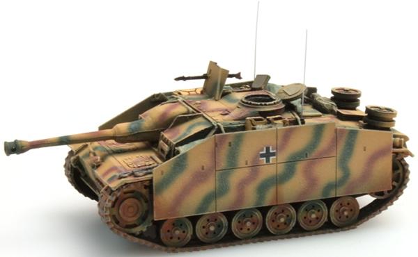 Artitec 387.49-CM - StuG III Version G  assault gun w/ Pigs Head gun mantlet (1943 / camouflaged)