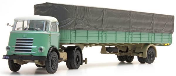 Artitec 487.020.01 - DAF single axle trailer, canvas cover, cab 55, green