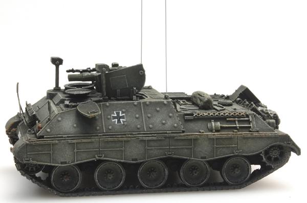 Artitec 6160028 - BRD Jaguar 2 yellow-olive paint scheme  German Army