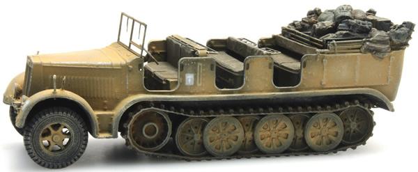 Artitec 6870066 - German Wehrmacht (WWII) Sd.Kfz. 7 Half-track Personnel Carrier 8t Gelb