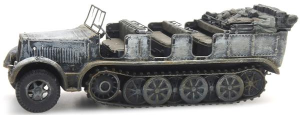 Artitec 6870068 - German Wehrmacht (WWII) Sd.Kfz. 7 Half-track Personnel Carrier 8t Winter