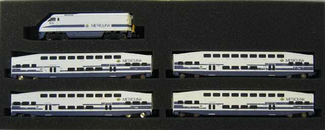 azl 7003f metrolink passenger set with bombardier fluted. Black Bedroom Furniture Sets. Home Design Ideas