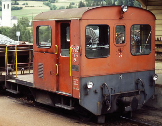 Bemo 1273114 - Swiss Diesel Shunting Locomotive Tm 2/2 64 of the RHB