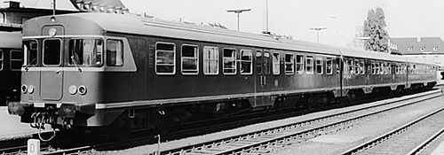 Bemo 1620800 - German Diesel Railcar VT 24 649/650 of the DB