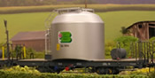 Cement silo wagon with piping type Uce of the RhB