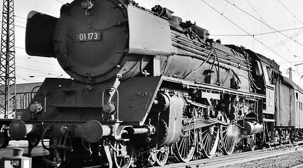 Brawa 40905 - German Steam Locomotive BR 01 of the DB (AC Digital Basic Plus)