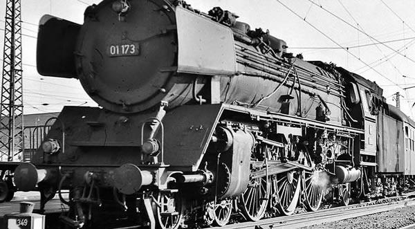 Brawa 40906 - German Steam Locomotive BR 01 of the DB (DC Digital Extra w/Sound)