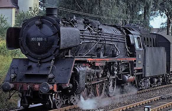 Brawa 40908 - German Steam Locomotive BR 001 of the DB (DC Analog Basic Plus)