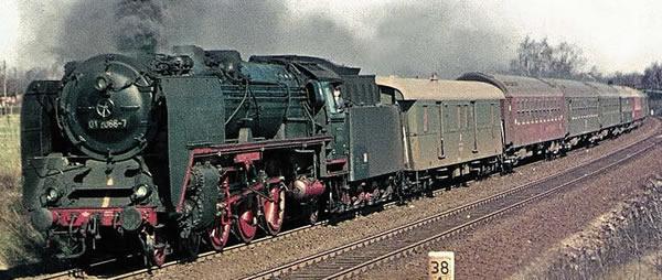 Brawa 40912 - German Steam Locomotive BR 01 of the DR (DC Analog Basic Plus)