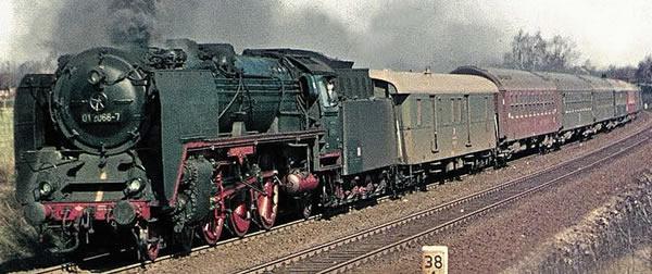 Brawa 40914 - German Steam Locomotive BR 01 of the DR (DC Digital Extra w/Sound)