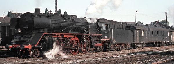 Brawa 40924 - German Steam Locomotive BR 01 of the DB