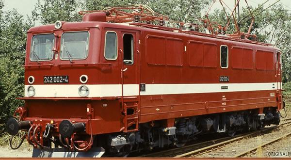 Brawa 43126 - German Elewctric Locomotive 242 of the DR (DC Analog Basic Plus)