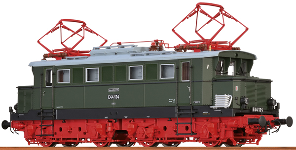 Brawa 43436 - German Electric Locomotive E44 of the DR (DC Analog Basic Plus)