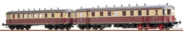 Brawa 44382 - German Diesel Railcar VT137 + VB147 of the DRG (DC Analog Basic Plus)