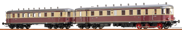 Brawa 44384 - German Diesel Railcar VT137 + VB147 of the DRG (DC Digital Extra w/Sound)