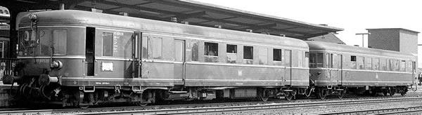 Brawa 44708 - German 2pc Diesel Railcar BR 660 and Trailer VS945 of the DB (DC Analog Basic Plus)