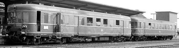 Brawa 44709 - German 2pc Diesel Railcar BR 660 and Trailer VS945 of the DB (AC Digital Basic Plus)
