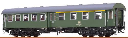 Brawa 46063 - German Passenger Coach B4yg of the DB