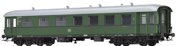Brawa 46172 - German Passenger/Baggage Car APw4yse-36/54 of the DB