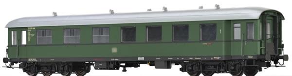 Brawa 46172 - German Passenger/Baggage Car APw4yse-36/54 of the DB