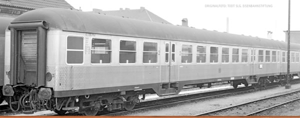 Brawa 46522 - German Passenger Car Silberling B4NB-59 of the DB
