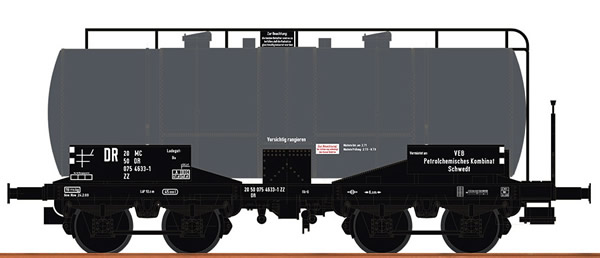 Brawa 47417 - German tank Car ZZ VEB Schedt of the DR