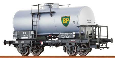 Brawa 48890 - German Tank Car 2-axle BP of the DB