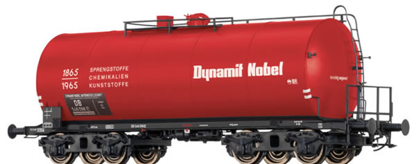 Brawa 48914 - German 4 Axle Tank Car Dynamit Nobel of the DB