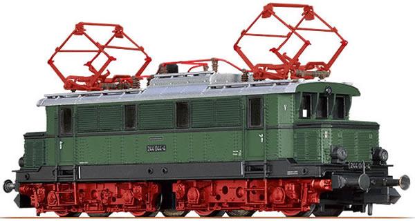 Brawa 63105 - German Electric Locomotive E44 of the DR (Sound)