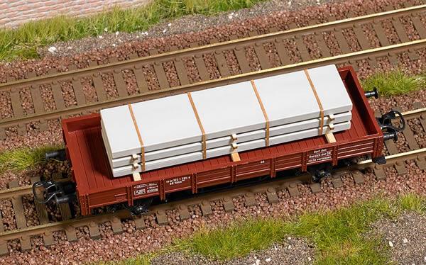 Busch 1683 - Freight Material: Cement Slabs