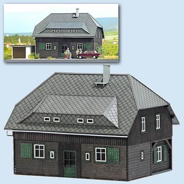 Busch 8245 - Village House