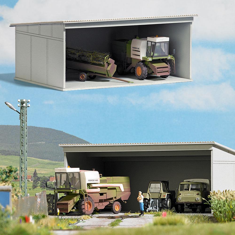 Busch 1390 Concrete Garage With Combine