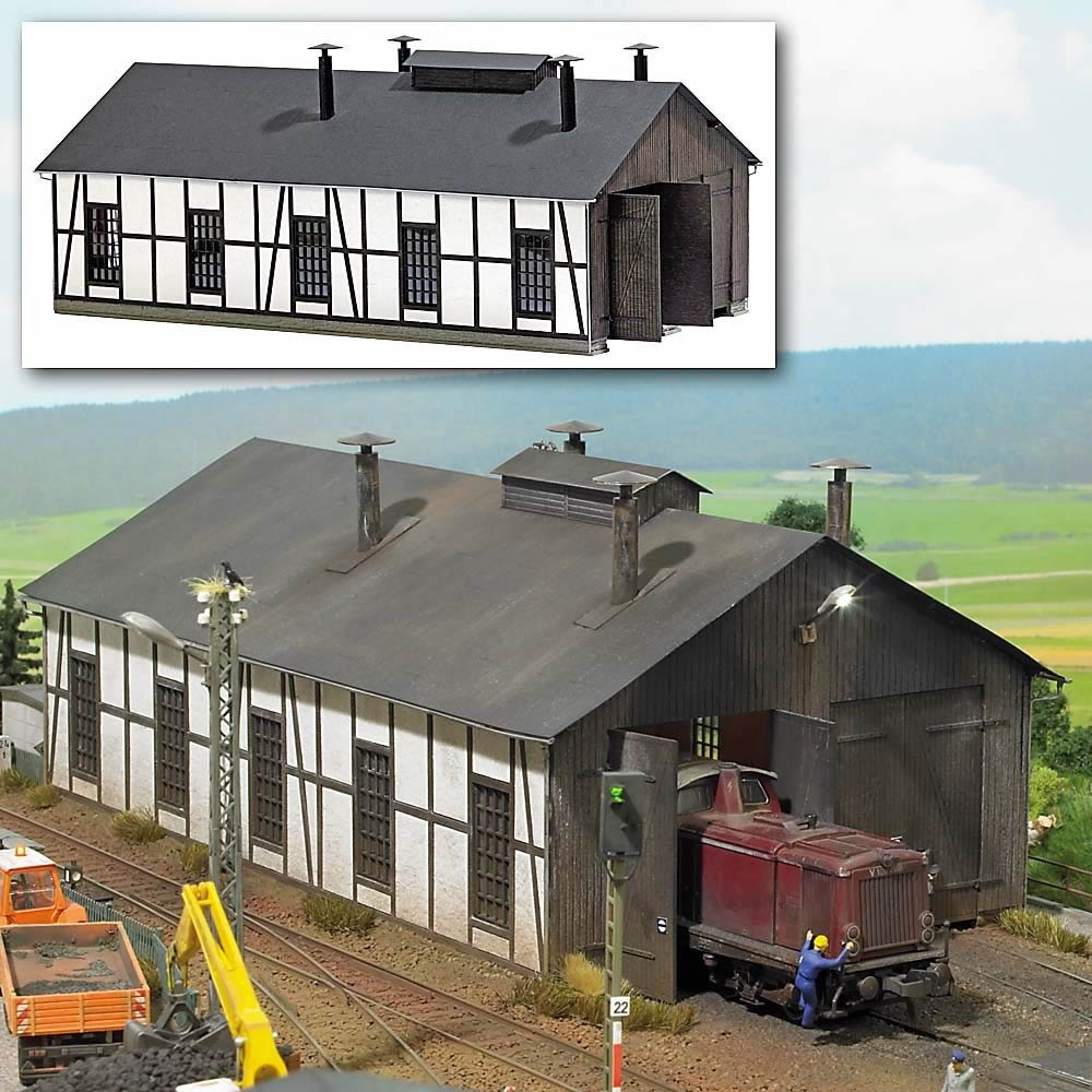 Busch 1423 Half Timbered Locomotive Shed