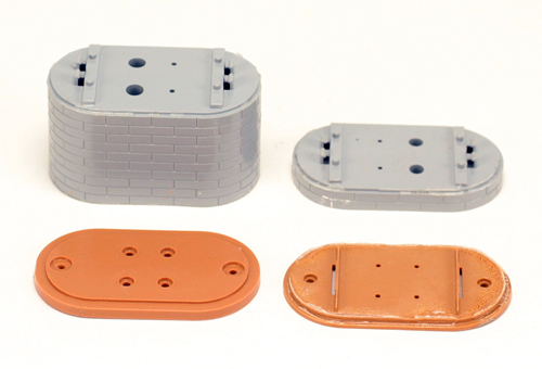 Consignment 0005 - Marklin 0005 - Set of Base Plates & Piers
