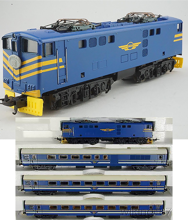 Consignment 149745 - Lima 149745 South African Electric Locomotive E444 with 3 Passenger Coaches of the SAR