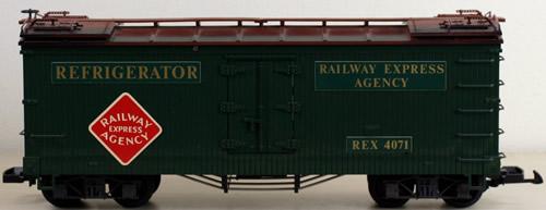 Consignment 4071 - LGB 4071 Railway Express Agency Refrigerator Car