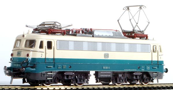 Consignment 4338 - Fleischmann 4338 Electric Locomotive BR 110.1 of the DB
