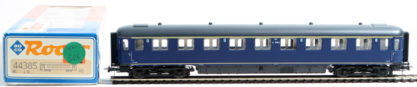 Consignment 44385 - Roco 44385 1st Class Passenger Coach