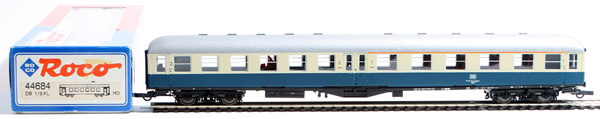 Consignment 44684 - Roco 44684 1st / 2nd Class Passenger Coach