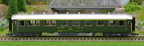 Consignment 44874 - Roco 44874 Swiss 1st Class RIC Coach