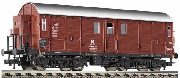 Consignment 5395 - Fleischmann 5395 4-axled horse transporter wagon with brakemans cab, type GGvwehs