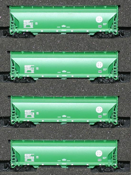 Consignment AZL90305-1 - AZL 90305-1 - 4pc Bay Hopper Car Set of the BNSF