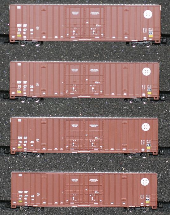 Consignment AZL90404-1 - AZL 90404-1 - 4pc 60 Gunderson Box Car Set of the BNSF